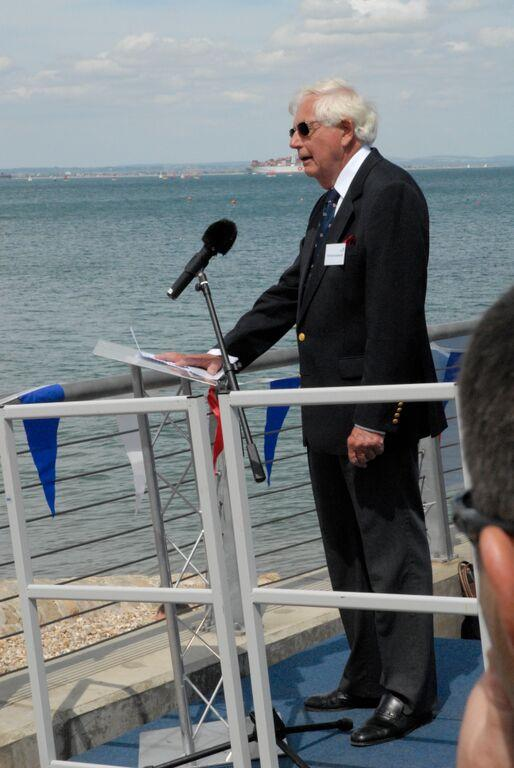 Robin Ebsworth (Chairman Bembridge LMG) welcoming everyone